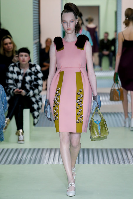 prada-rtw-fw15-runway-low-res-28