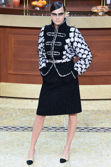 chanel-fw15-pfw-runway-low-res-011