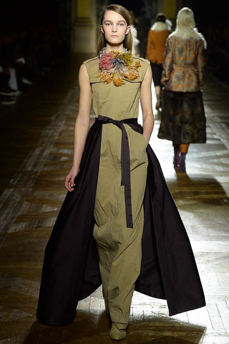 dries-van-noten-rtw-fw15-runway-low-res30