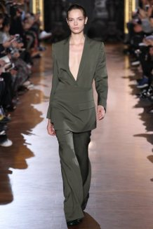 stella-mccartney-rtw-fw15-runway-10