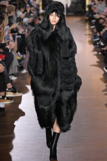 stella-mccartney-rtw-fw15-runway-30