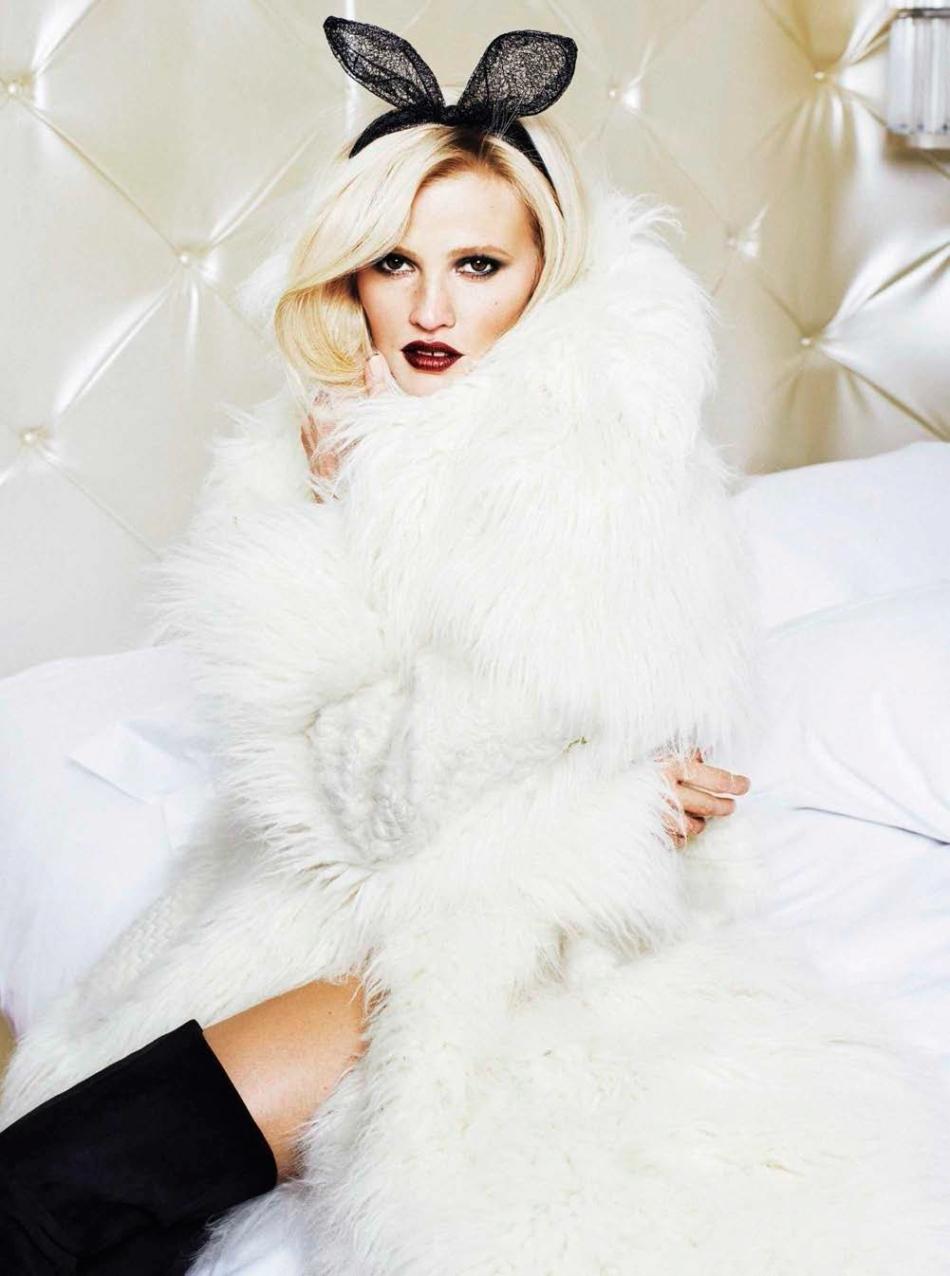 lara glamour spain 04