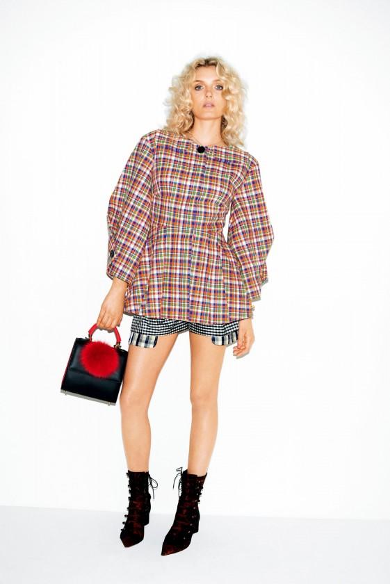 Vogue-Japan-January-2016-Lily-Donaldson-by-Katja-Rahlwes-021-561x840