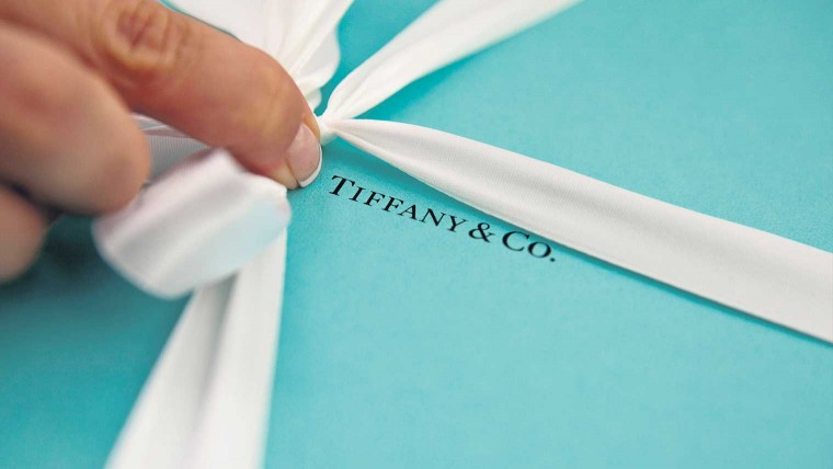 Tiffany-luxury-packaging-760x428