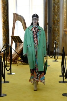 All the Looks from the Gucci Resort 2018 Show in Florence