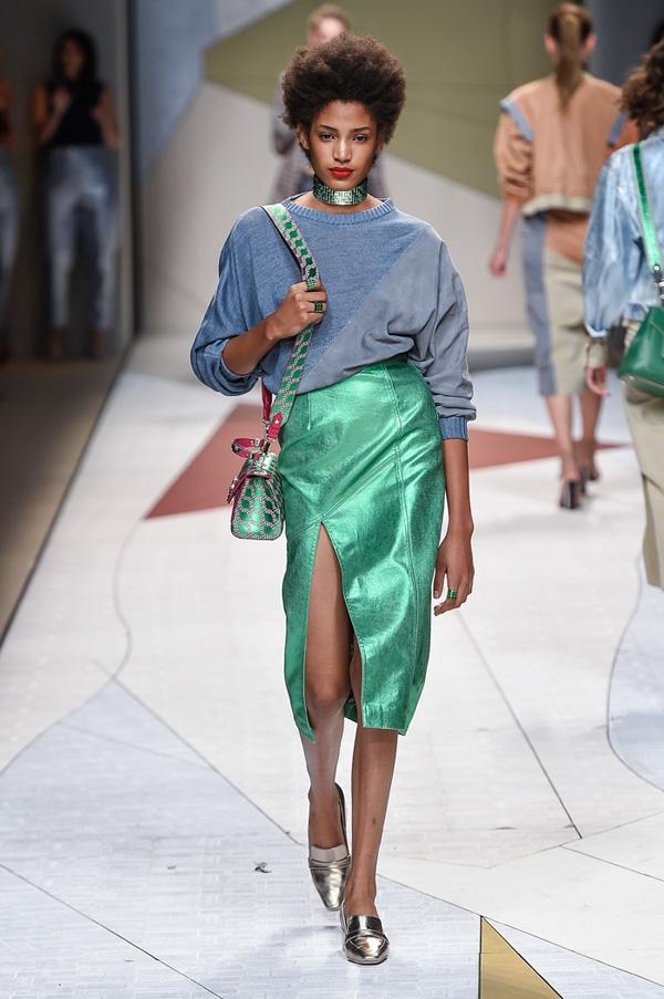 Pixelformula womenswear  ready to wear prêt a porter summer 2017 Trussardi
