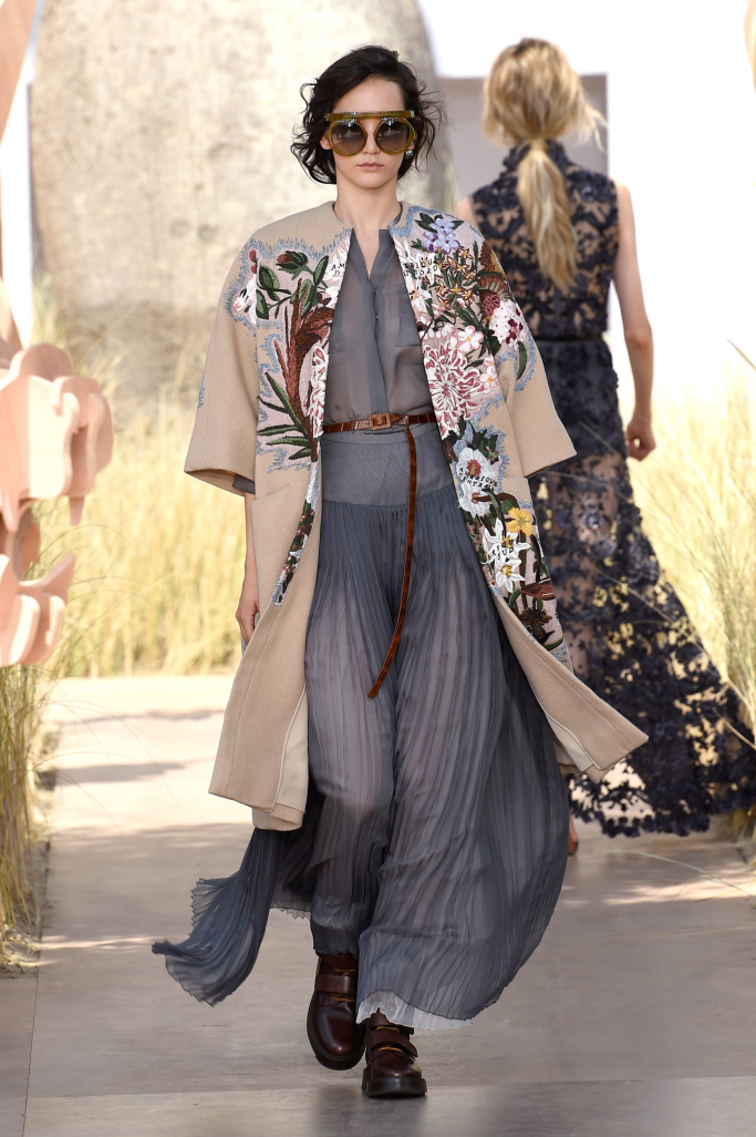 Christian Dior Couture Fall 2018 – SILHOUETTEANDSTYLE