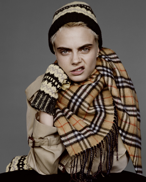 Cara Delevingne captured for Burberry by Alasdair McLellan c Courtesy of Burberry _ Alasdair McLellan_001