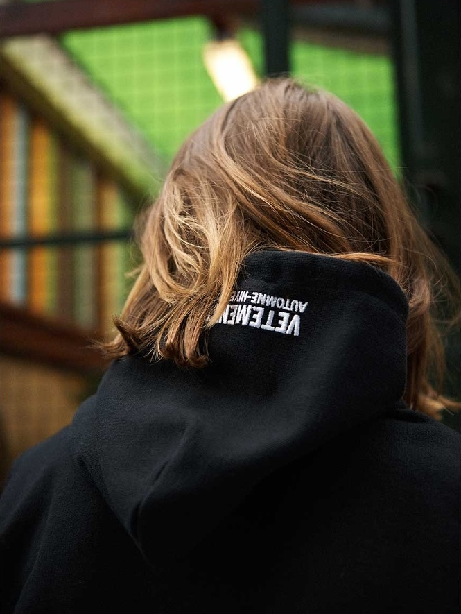Vetements-Misplaced-Shoulder-Skull-Print-Sweatshirt