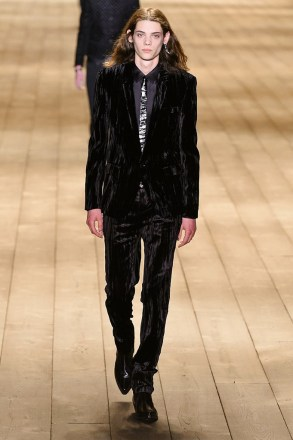 Saint Laurent_30_72_ale_1275