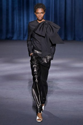 Givenchy_57_29_ale_0479