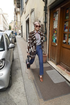 Valentino_31_3c_valentino_resort_2019_31