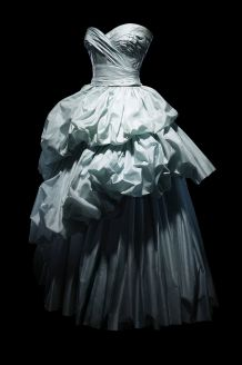 hbz-dior-at-denver-art-museum-christian-dior-fanny-celestial-blue-taffeta-gala-dress-worn-by-mrs-elizabeth-firestone-haute-couture-fall-winter-1953-vivante-line-1533734827