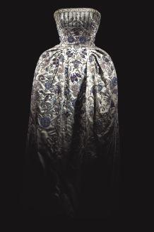 hbz-dior-at-denver-art-museum-christian-dior-palmyre-1952-1533734849