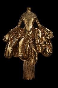 hbz-dior-at-denver-art-museum-john-galliano-for-christian-dior-gold-embroidered-triple-organza-jacket-and-skirt-haute-couture-spring-summer-2004-1533734860