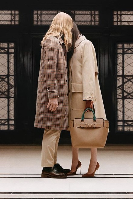 https_hypebeast.comwp-contentblogs.dir6files201805riccardo-tisci-burberry-spring-summer-2019-first-collection-teaser-b-classic-6